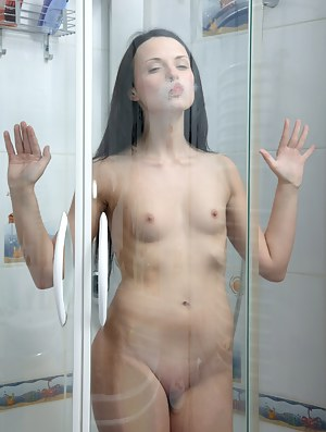 Hot Girls Shower Porn Pictures