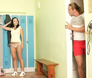 Hot Girls Voyeur Porn Pictures
