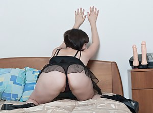 Hot Girls Lingerie Porn Pictures