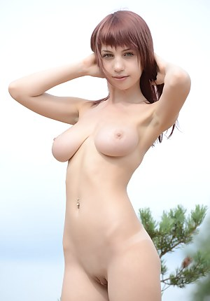 Hot Saggy Tits Girls Porn Pictures