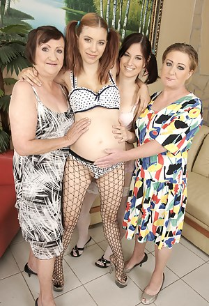 Hot Pregnant Girls Porn Pictures