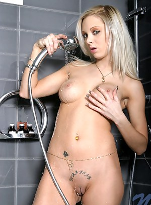 Hot Blonde Girls Porn Pictures