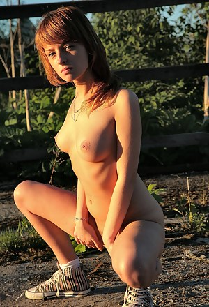 Hot Farm Girls Porn Pictures
