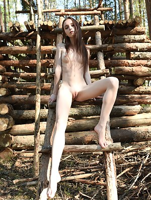 Hot Skinny Girls Porn Pictures