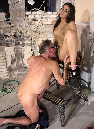 Hot Old Man and Girl Porn Pictures